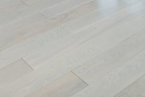 everlasting-collection-solid-hardwood-pitch-blanca-flooring-Pitch+Blanca-4